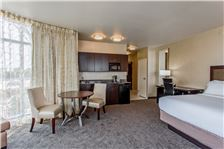 Holiday Inn Express & Suites - Anaheim Resort Area Room - HIE penthouse suite
