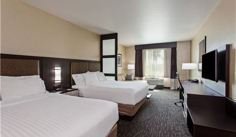 Enchanted Two Queen Suite at Holiday Inn Express & Suites - Anaheim Resort Area