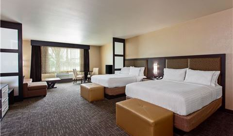 Grande Two Queen Suite at Holiday Inn Express & Suites - Anaheim Resort Area