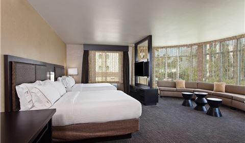 Holiday Inn Express & Suites - Anaheim Resort Area Panoramic Two Queen Suite